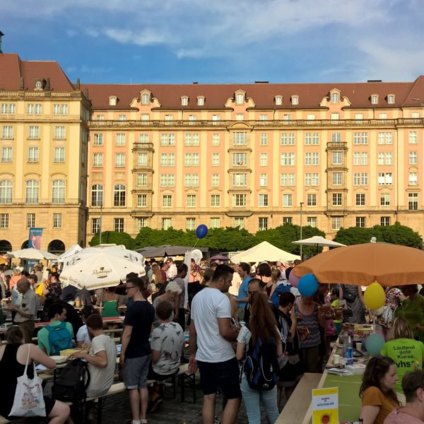 """Familie und Beruf online bei """"Dresden isst bunt"""" auf dem Altmarkt"""