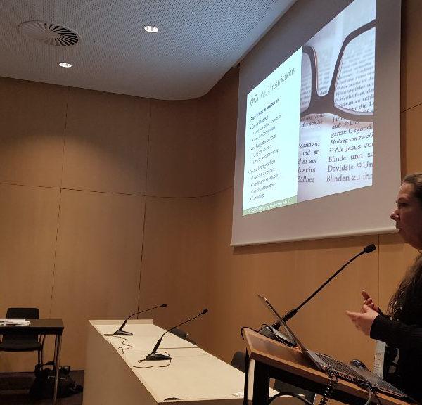 """Englischsprachiger Vortrag """"Vielfalt durch Barrierefreiheit"""" von Peggy auf der Smartcity in Barcelona"""